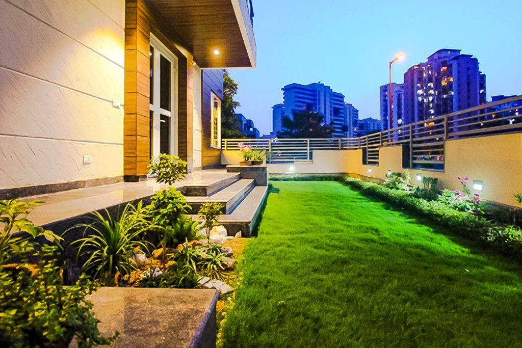 Lawn Gupta's Residence, Suncity Gurgaon